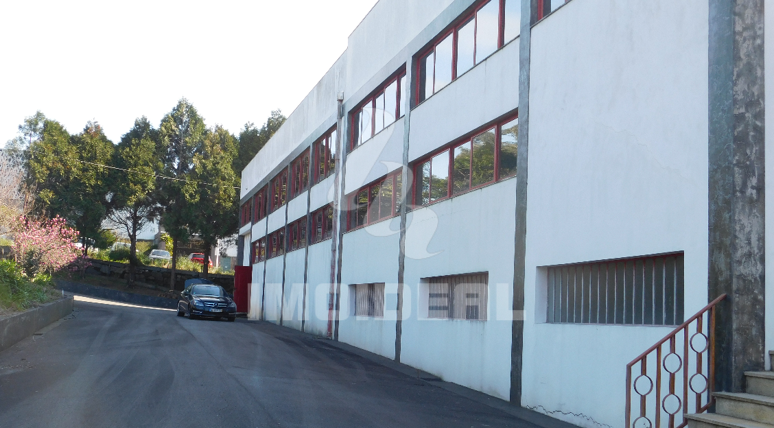Armazém Industrial em Ribeirão