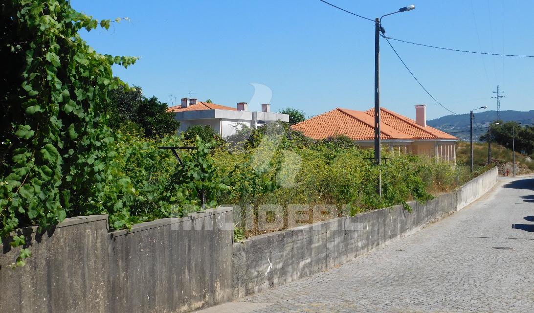Terreno para construção em Delaes em Vila Nova de Famalicão